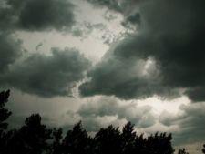 Cod galben de furtuni si grindina in mai multe judete