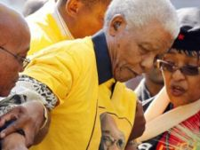 Nelson Mandela, intre viata si moarte