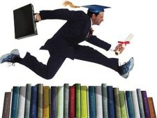 Absolventii unui MBA au cele mai mari sanse de a ocupa functii de conducere