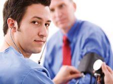Sanatatea barbatilor, la control! 4 teste medicale de rutina pentru barbati