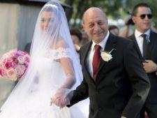 Cine va canta la botezul nepoatei lui Traian Basescu