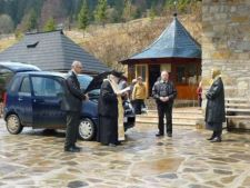 Slujbele de sfintire a masinilor a stupilor, oficializate de catre Biserica Romana