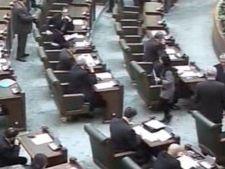 657398 0902 parlament snap