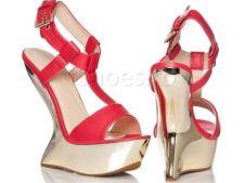 ADVERTORIAL 4 modele de pantofi cu toc si platforme sub 100 de lei, pentru tinute senzationale de va