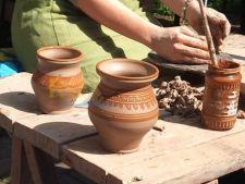 Targ de mesteri populari, in acest weekend, la Muzeul Taranului Roman