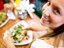 10 alimente care te ajuta sa adormi mai repede