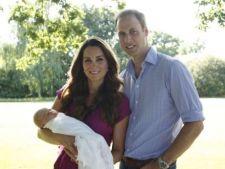Primele fotografii oficiale cu printul George