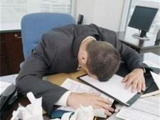 Topul motivelor care ii enerveaza pe angajati la munca