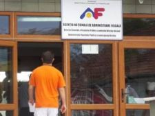 Angajatii disponibilizati de la ANAF sustin astazi examen pentru a-si pastra joburile