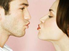 De ce unele cupluri devin enervante chiar si pentru cei mai apropiati prieteni