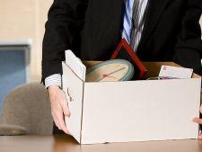 Managerii cu salarii mari, primi angajati concediati