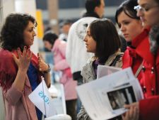 Studentii romani isi indreapta atentia spre locurile de munca din America de Sud si China