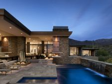 Case de lux: resedinta Pass din Arizona, asezata printre cactusi