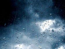 Cod galben de ploi torentiale incepand din aceasta seara