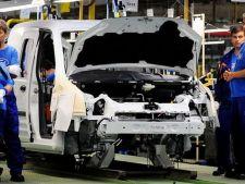 Ford intrerupe temporar productia la Craiova