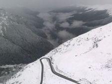 Iarna timpurie la munte. Oameni blocati si trafic oprit pe Transfagarasan
