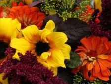 Invata sa faci un buchet perfect de flori tomnatice