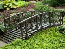 Poduri decorative de gradina ce par desprinse din basme