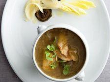 Supa frantuzeasca de ceapa cu pui si nasturel