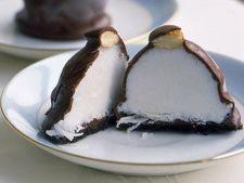 Bomboane de ciocolata cu nuca de cocos delicioase