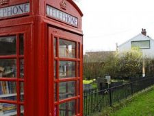 Prima cabina telefonica-biblioteca din Romania