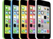Batalia sexelor: femeile prefera iPhone 5S argintiu, barbatii sunt atrasi iPhone 5C alb