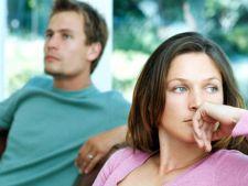 4 modalitati surprinzatoare prin care iti minti partenerul