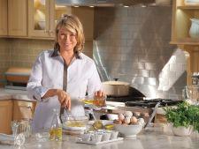 Bucatari celebri: Martha Stewart si senzationala tarta cu banane pentru pretentiosi