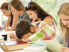 Lispa somnului le afecteaza adolescentilor performantele scolare si dezvoltarea emotionala