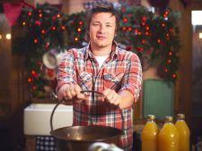 Bucatari celebri - Jamie Oliver - Budinca de iarna cu inghetata pentru Ajunul Craciunului