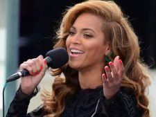 Top 3 cele mai jenante momente in care au fost surprinse vedetele in 2013