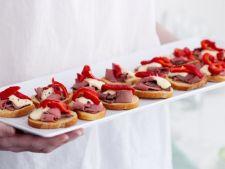 Tartine festive din friptura de vita cu gogosari