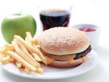 Mancarea de tip fast-food stimuleaza prostia. Iata cum!