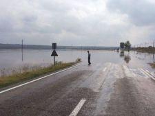 Tehnologia te salveaza acum de la inundatii: romanii, avertizati prin SMS cand vine viitura!