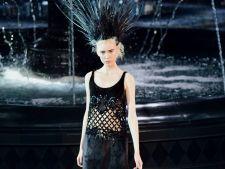 Colectia de primavara 2014 de la Louis Vuitton, un spectacol tenebros, insa plin de stralucire si el