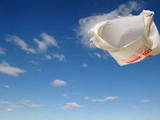 UE interzice folosirea pungilor din plastic