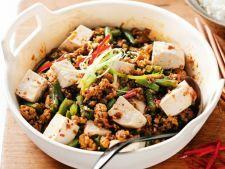 Porc chinezesc cu branza tofu si ardei chili