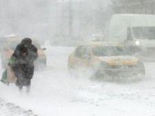 Vremea rea face ravagii in tara. Sute de trenuri anulate si drumuri inchise