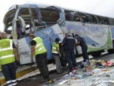 Autocar romanesc, implicat intr-un accident in Ungaria. 22 de persoane sunt ranite