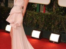 Stil de vedeta: Inspira-te din look-ul romantic al actritei Charlize Theron