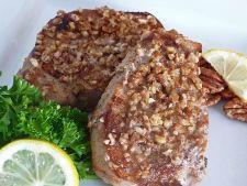 Cotlete de porc cu miere si nuci pecan