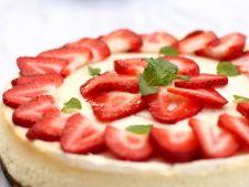 Cheesecake suprem cu capsuni