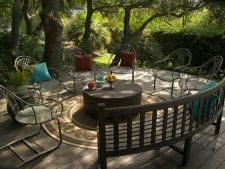 4 idei care vor insufleti pardoseala de lemn din gradina ta in stil contemporan