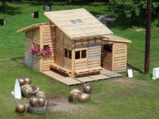 Casa din paleti de lemn care poate fi construita intr-o singura zi