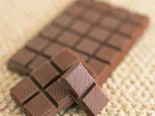 Trucuri pentru a curata rapid petele de ciocolata