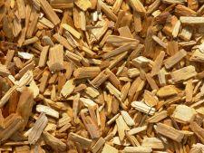 Cum folosesti aschiile de lemn adunate in gradina?