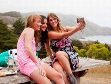 Topul tarilor in care oamenii zambesc cel mai mult in selfie-uri. Afla ce loc ocupa Romania!