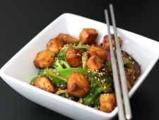 Tofu cu legume in sos de arahide