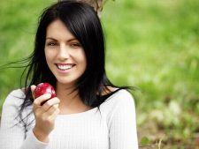 Mananci fructe nespalate sau nu le mananci deloc? Ce este mai rau