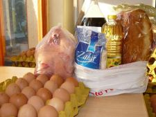 Romanii saraci primesc tichete sociale si pachete cu alimente de Paste